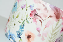 Load image into Gallery viewer, Summer Floral Lamp Shade