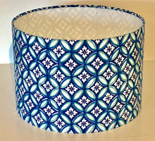 Load image into Gallery viewer, Geometric Link Flower Lamp Shade