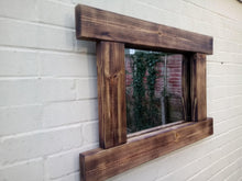 Laden Sie das Bild in den Galerie-Viewer, Reclaimed Solid Wood Rustic Mirror - Style 4 - Miss Artisan