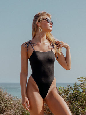 SHEEVA ONE PIECE / BLACK BLOSSOM REVERSIBLE