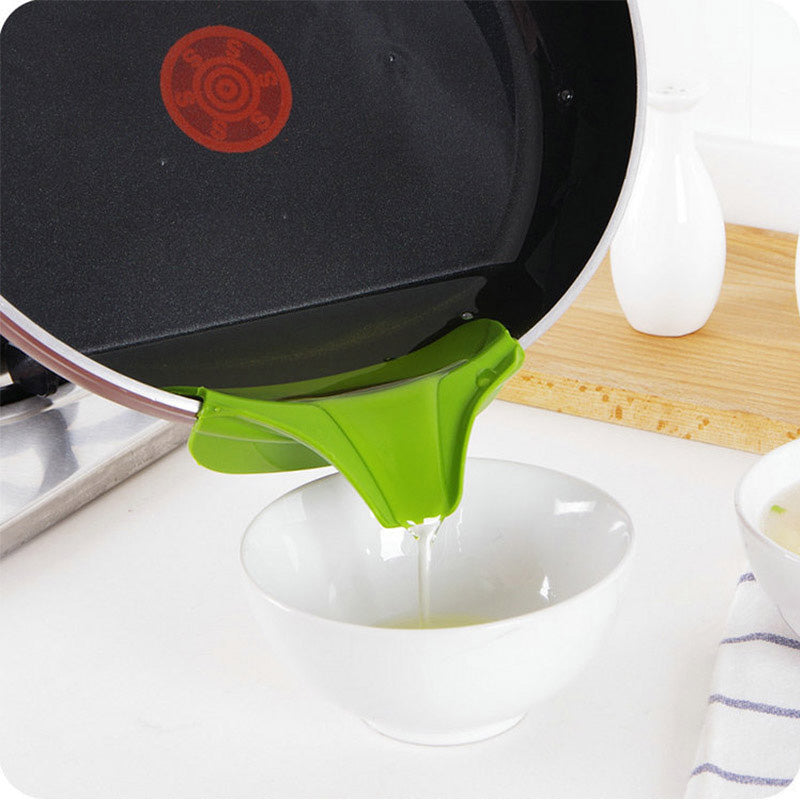Anti-spill Silicone Slip On Soup Funnel