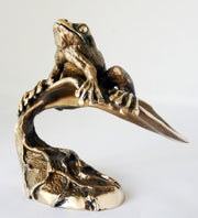 Frog bronze sculpture