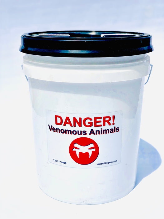 Venomous stickers, venomous decals, safety signs, warning signs, dangerous animals, decals for buckets, tubs, cages, and more