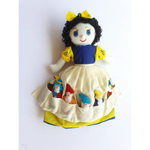 Load image into Gallery viewer, Snow White Story Doll