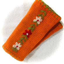 Load image into Gallery viewer, Woollen Hand Socks