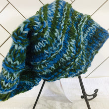 "Load image into Gallery viewer, Woollen Beanie ""Jamaica Style"""