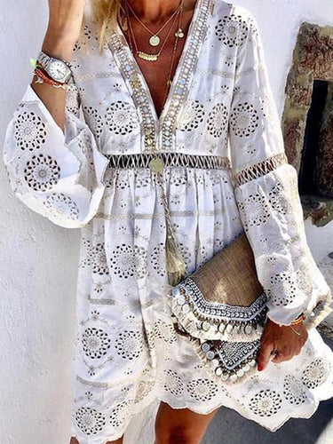 Fashion V Neck Hollow Out Floral Pattern Long Sleeve Lace Dress