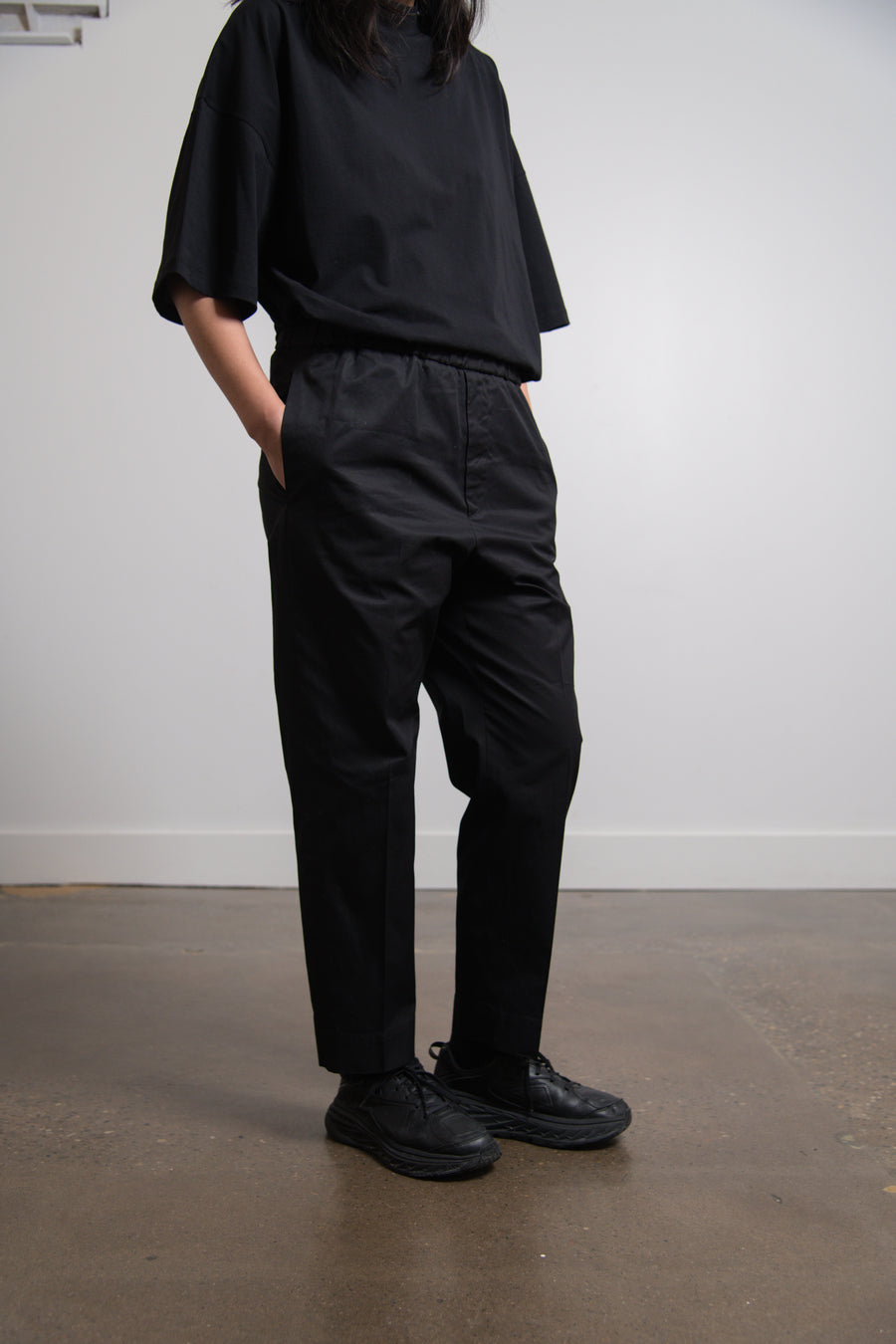 Tech Hand Cropped Trouser Black