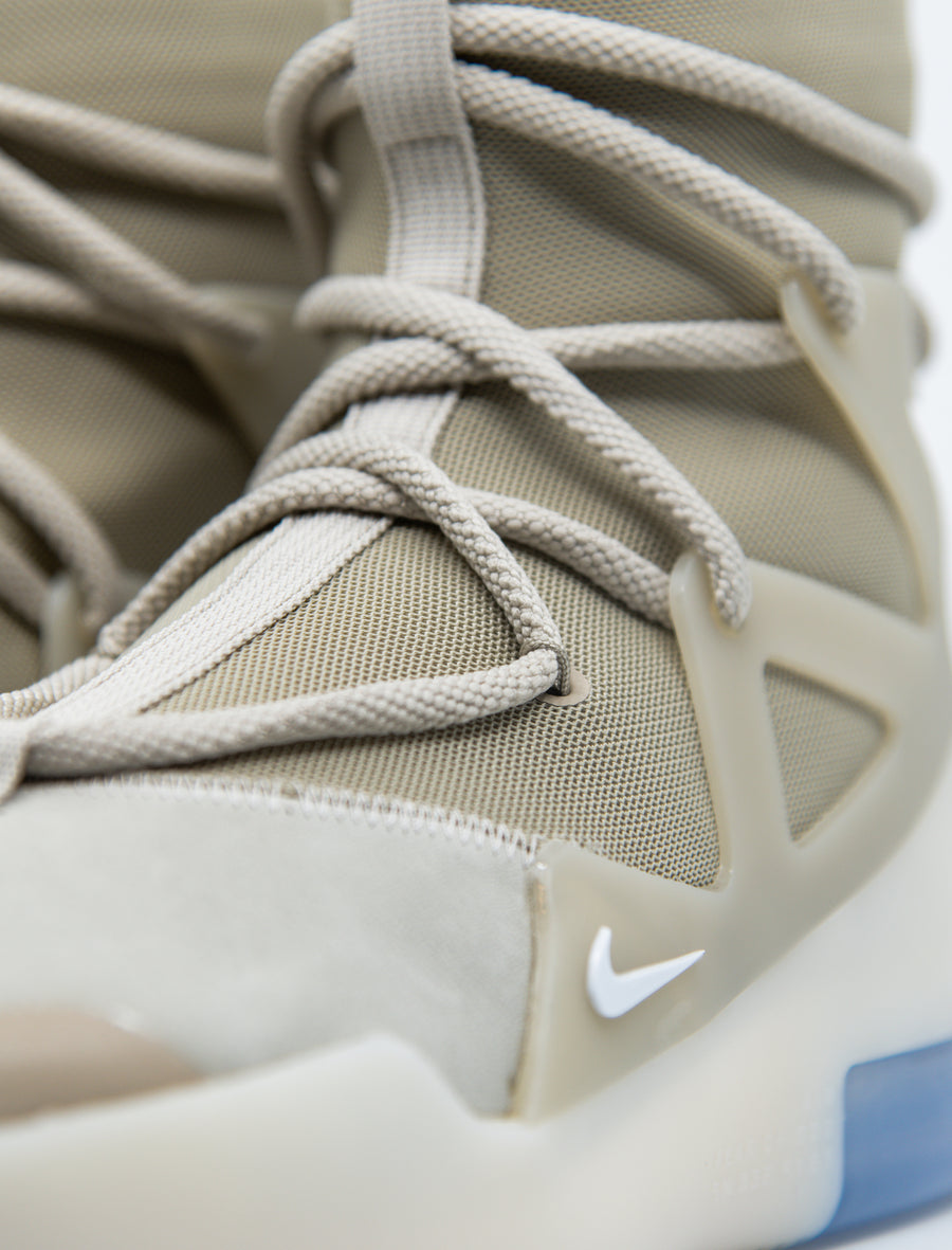 Air Fear of God 1 String/Oatmeal/Pale Ivory AR4237-900