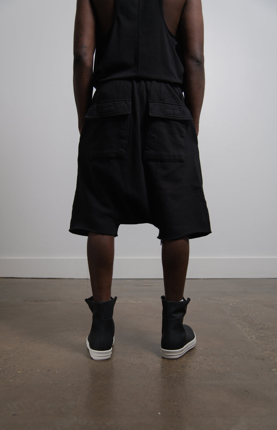 Drawstring Pod Short Black