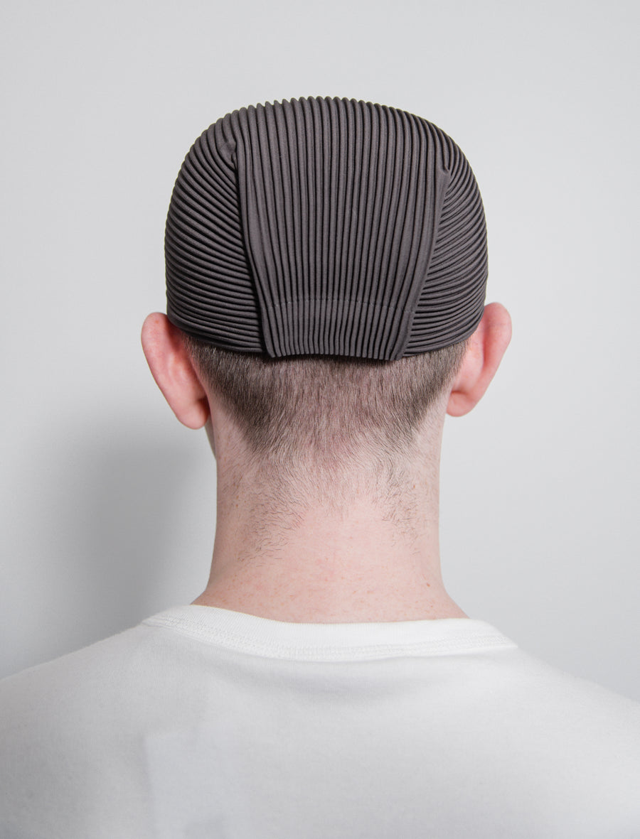 Pleated Cap Dark Grey