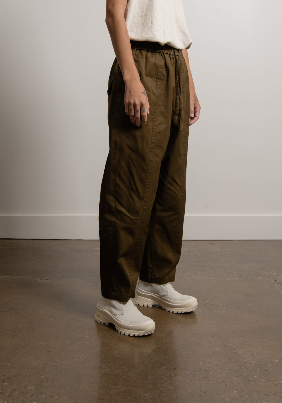 Tech Hand Cotton Gabardine Cropped Trouser Olive