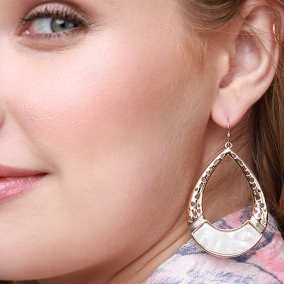 Tear Drop Dangle Earrings