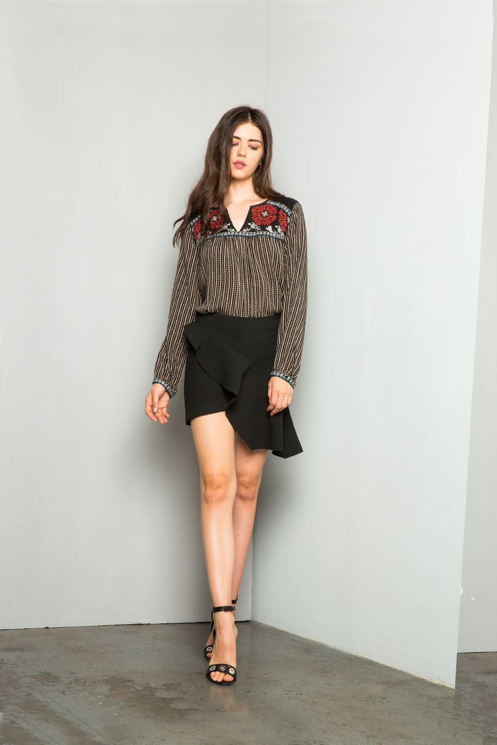 THML Ellen Embroidered Collar Printed top