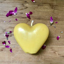 Load image into Gallery viewer, Beeswax Heart Candle