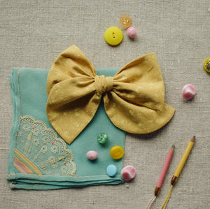 Cotton Lawn Dobby Spot Bow // Canary