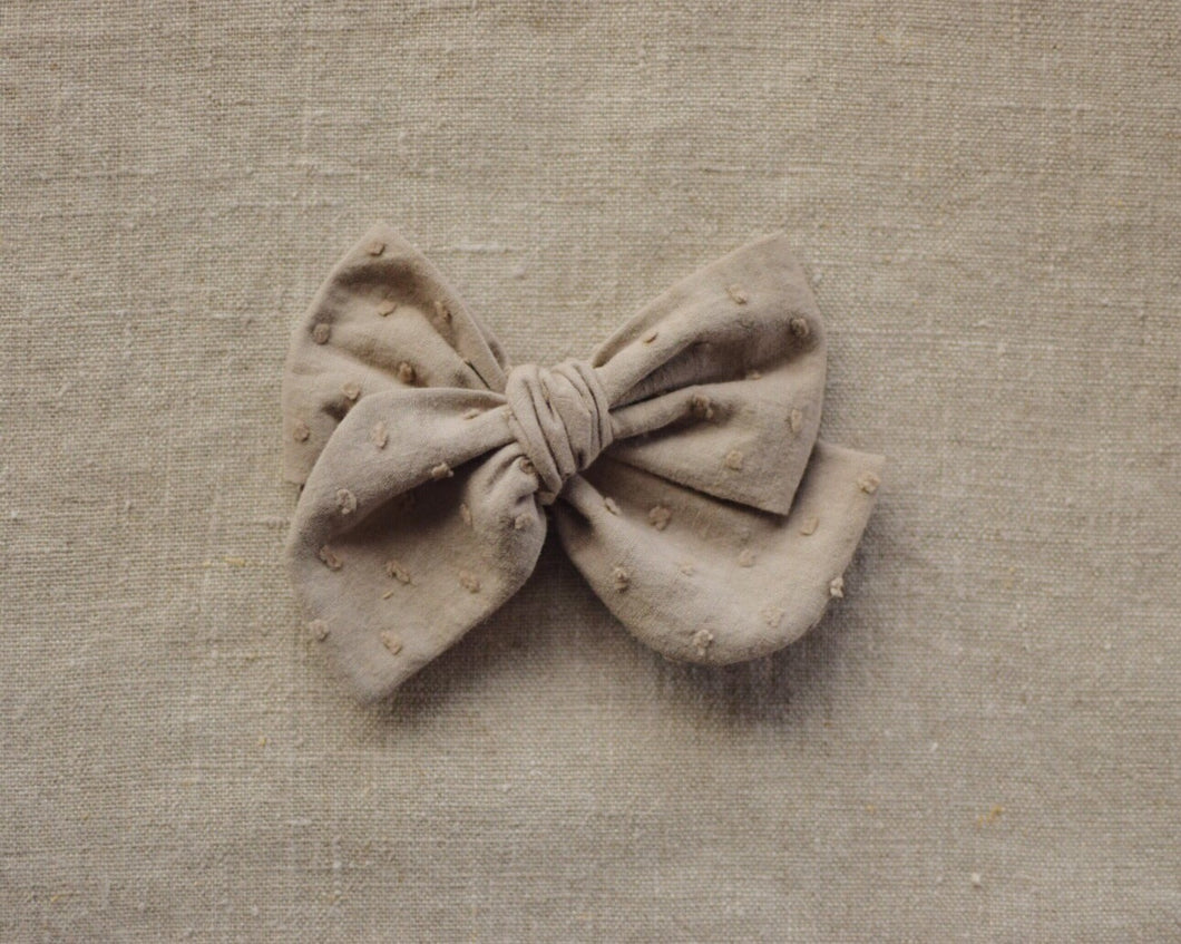Cotton Dobby Spot Bow // Flint