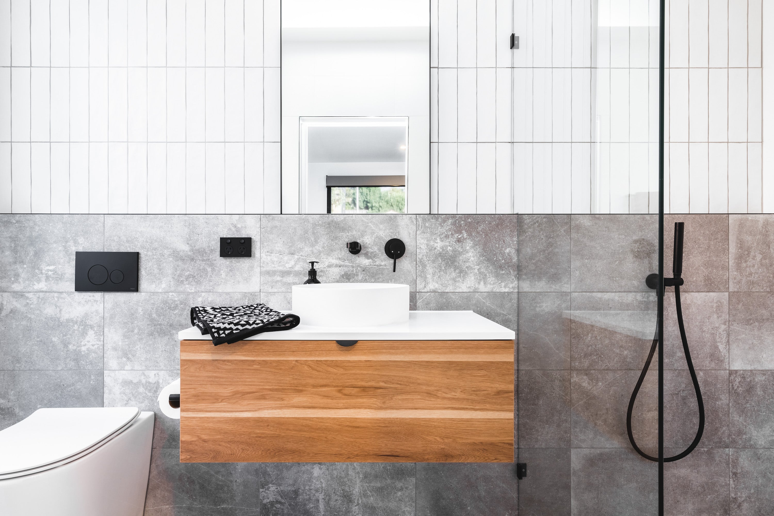 Full Bathroom with Meir black tapware and pop-up wastes