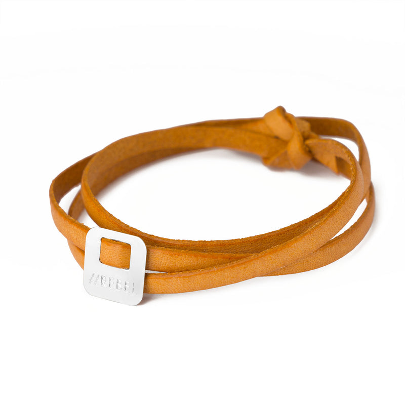 leather bracelet with a square charm in silver 925