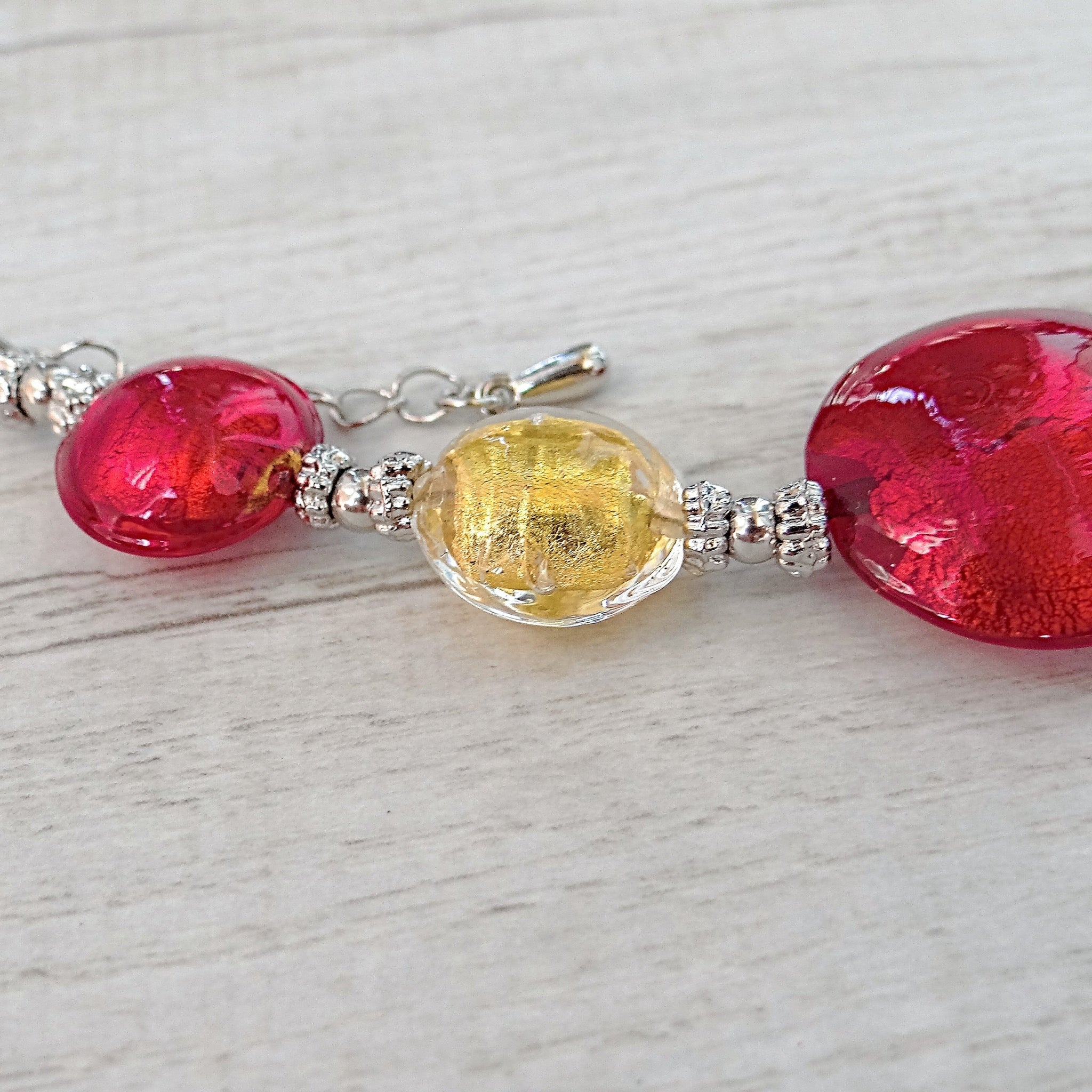 Maravégia - Red Murano Glass Bracelet