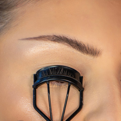 Lithe Lashes How To Apply Lashes Step 1