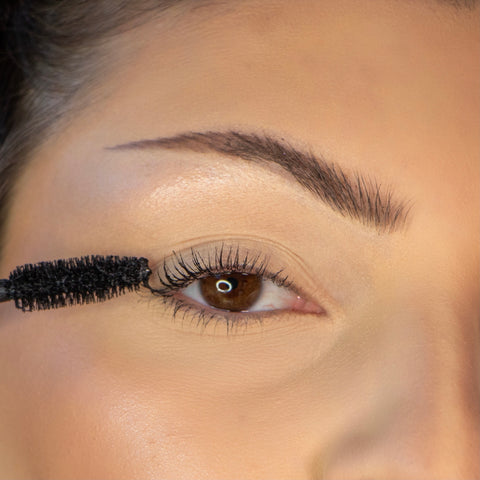 Lithe Lashes How To Apply Lashes Step 2