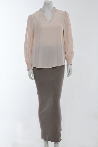 Blush shirt with long sleeves