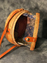 Load image into Gallery viewer, Rattan Circle Bag