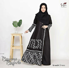 Load image into Gallery viewer, Gresik Dress Cotton Maxi Dress