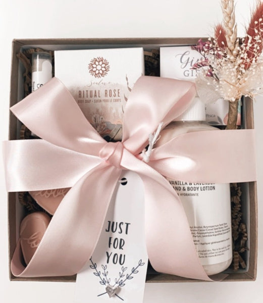 HEARTS & FLOWERS Gift Box