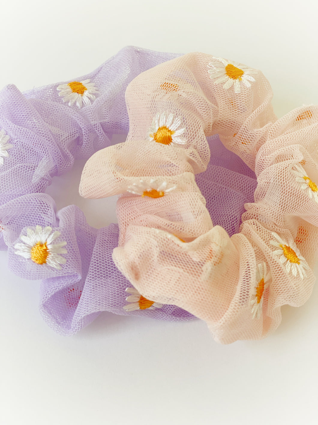 NEW Daisy Scrunchies (2 Color Options!)