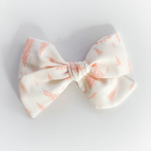 Sugarplum Pink Tree Oversized Elle Bow ~ Sugarplum Holiday