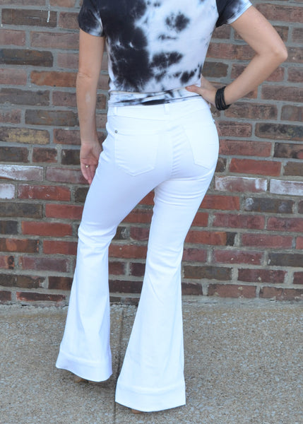 Walk In Style, Judy Blue White Flares