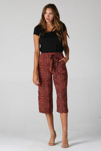 25D09-FO62-1-Angie-Leopard crop pants-RK Collections Boutique