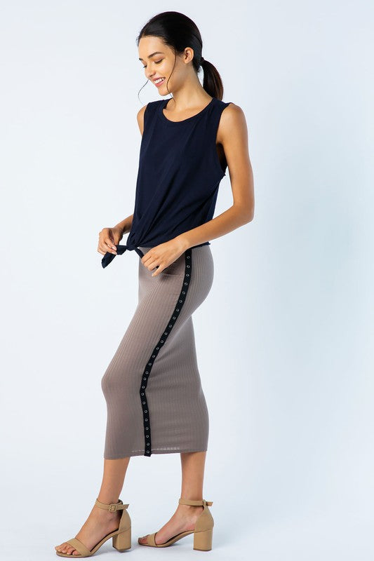 Ribbed high waist pencil skirt with snaps