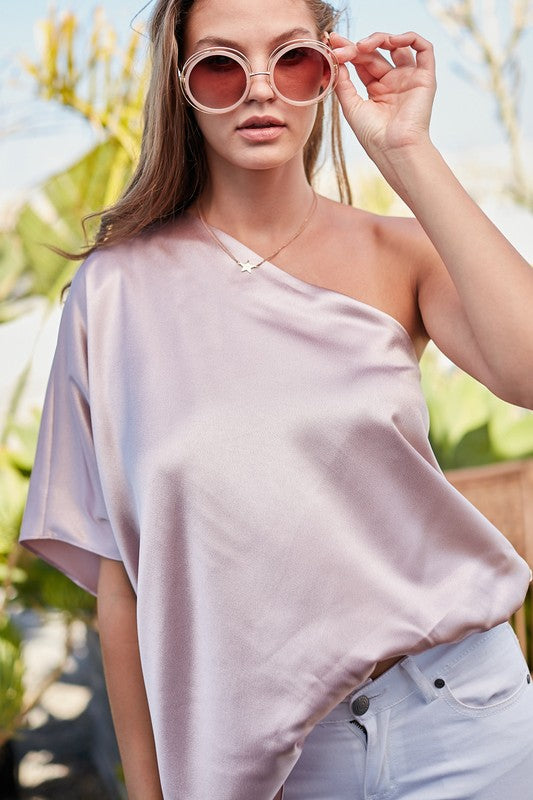 Satin one sleeve top with elastic waist