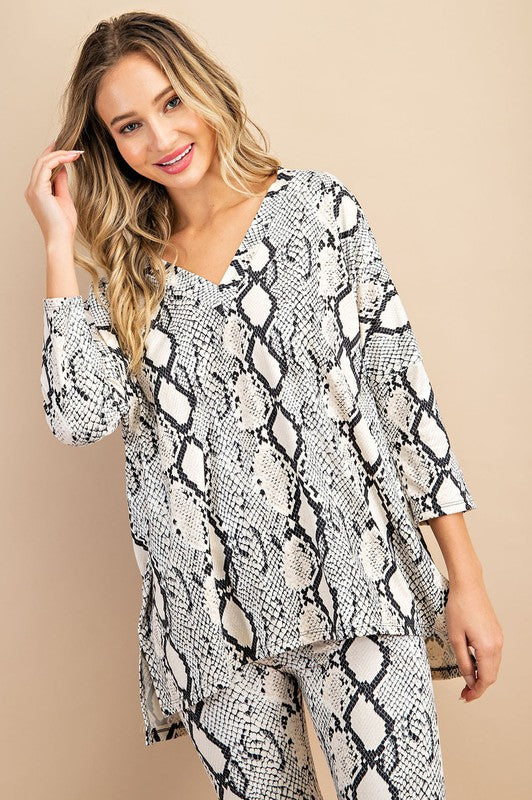 Snake skin v-neck long sleeve top