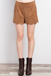 faux suede scalloped hem pocket shorts
