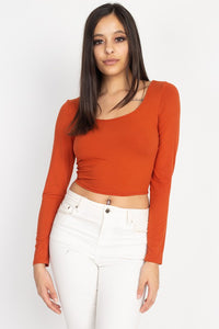 Scoop neck long sleeve crop top