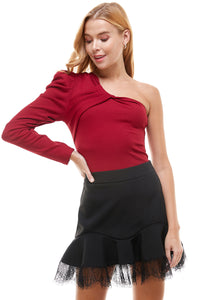 One sleeve puff shoulder top