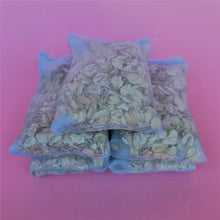 Load image into Gallery viewer, Organic oatmeal bath bags. Pack of 5 bath bags.
