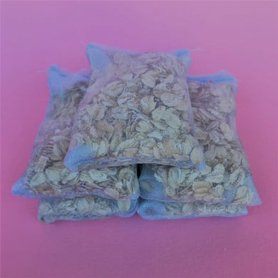 Organic oatmeal bath bags. Pack of 5 bath bags.