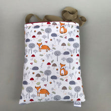 Load image into Gallery viewer, Orange fox & hedgehog padded bonding bag, carry bag for hedgehogs. Fleece lined.