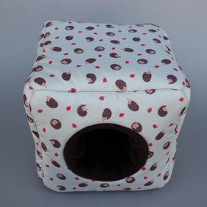 Cream hedgehog cosy cube house. Hedgehog and guinea pig cube house.