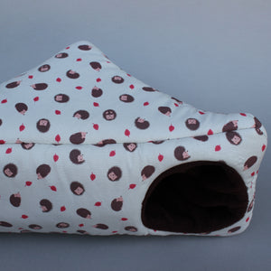 Cream hedgehog corner house. Hedgehog and small pet house. Padded fleece house.