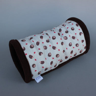 Cream hedgehog stay open padded fleece tunnel. Padded tunnel for small pets.