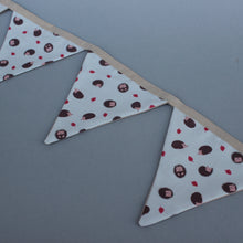 Load image into Gallery viewer, Cream hedgehog miniature bunting. Viv decorations. Cage decorations.