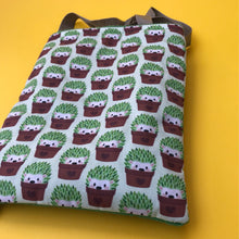 Load image into Gallery viewer, Cactus hedgehog padded bonding bag, carry bag for hedgehogs. Fleece lined.