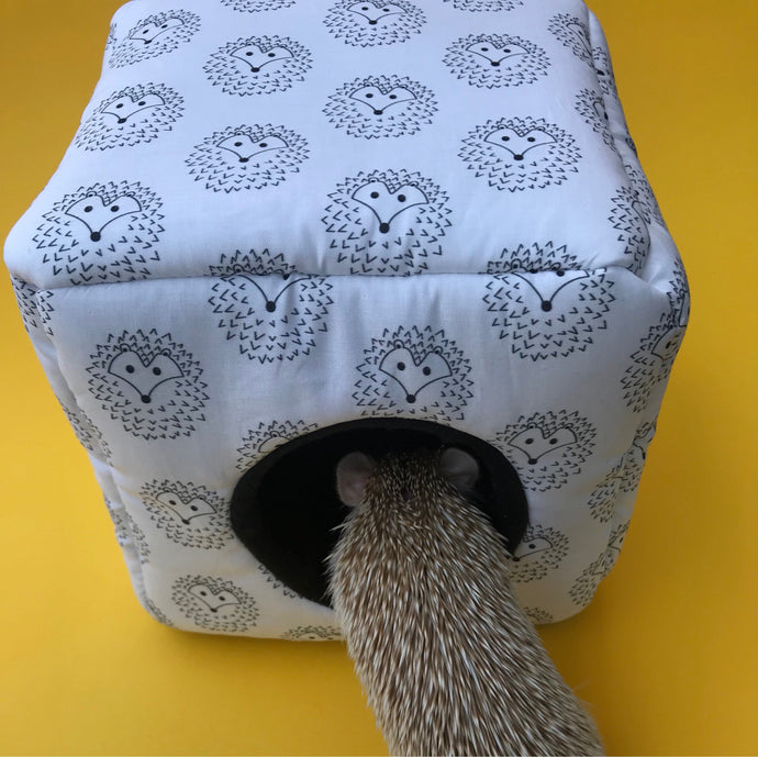The Hoghouse cosy cube house. Hedgehog and guinea pig cube house. Padded fleece lined house.