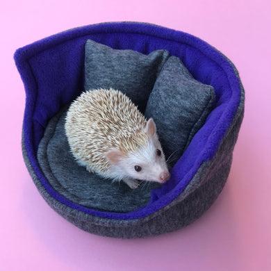 Regular cuddle cup. Pet sofa for hedgehogs. Fleece sofa bed.